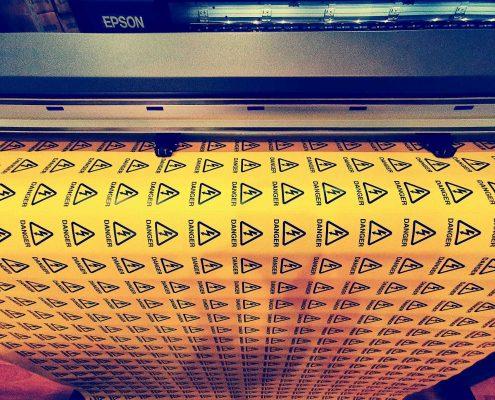 Large-format-printer-vinyl-sticker